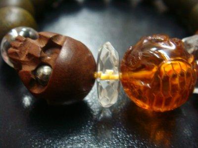 画像2: 京都・パワーストーン/【鶴亀】彫刻アンバー(琥珀)、【髑髏】彫刻柘植(片目にパイライトイン)、みかん玉水晶、【天然石の京屋】