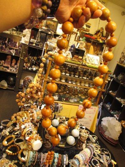 画像3: 京都・パワーストーン/【激安特価】《魔除け・長寿・平安》【天然木】【桃の木】超特大玉29mm 房付紐編み数珠型ネックレス、ブレスレットセット【伏見の京屋】