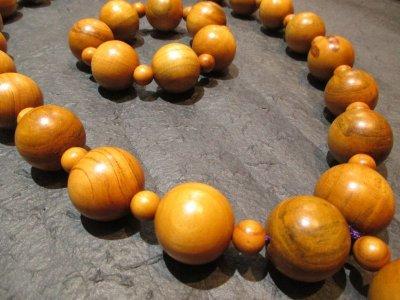 画像2: 京都・パワーストーン/【激安特価】《魔除け・長寿・平安》【天然木】【桃の木】超特大玉29mm 房付紐編み数珠型ネックレス、ブレスレットセット【伏見の京屋】