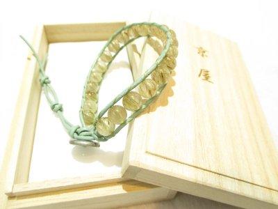 画像2: 京都・パワーストーン/【激安】【高品質】【グリーンルチルクォーツ(緑針水晶)】【牛革紐編み】7、5mm玉ブレスレット、桐箱付き【伏見の京屋】