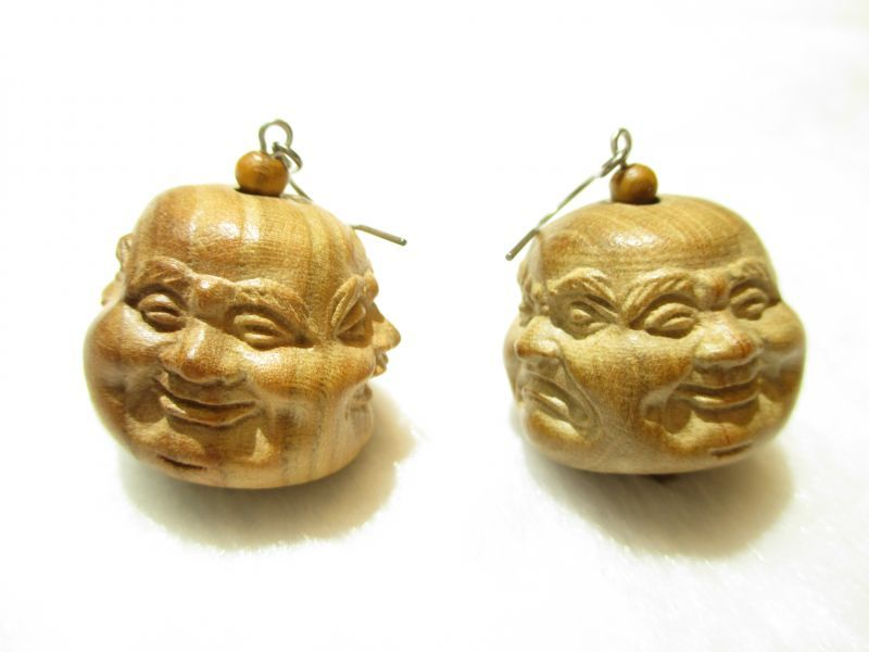 画像1: 京都・パワーストーン/【レディース】【ピアス】特大25mm【喜怒哀楽】【四面顔】【布袋(ほてい)】《七福神の一柱》一級職人彫刻、桃の木【伏見の京屋】